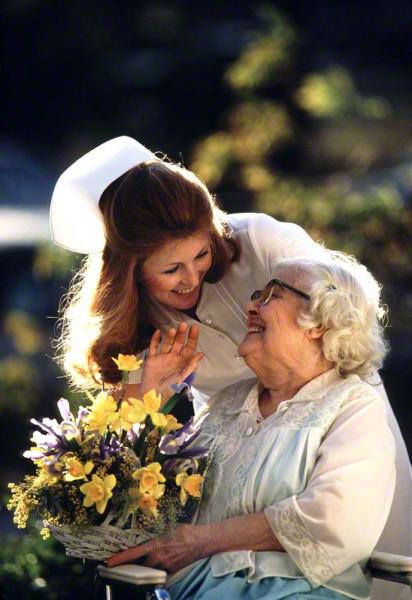 nurseandoldwoman2-412x600_DM