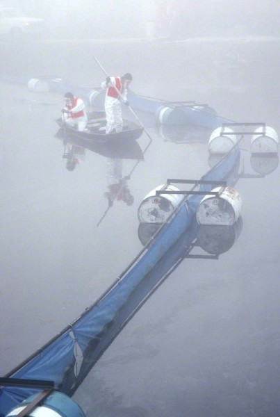 Copy-of-workers-at-a-toxic-waste-dump-in-the-fog-0476