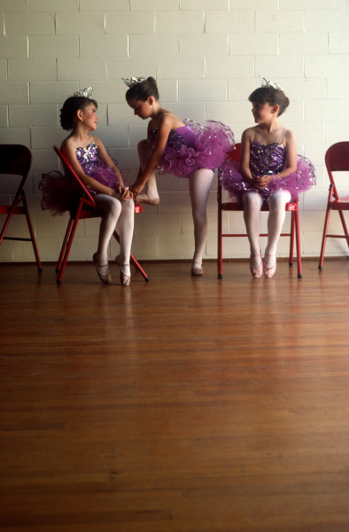 threeballetgirls0008